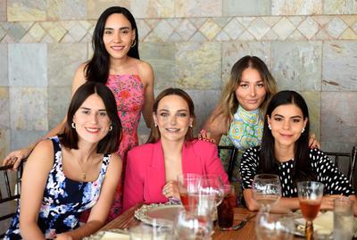 Adriana, Sofía, María, Andrea y Cecilia.