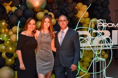 Beatriz Izaguirre, Valentina Tamayo y Mauricio Tamayo.