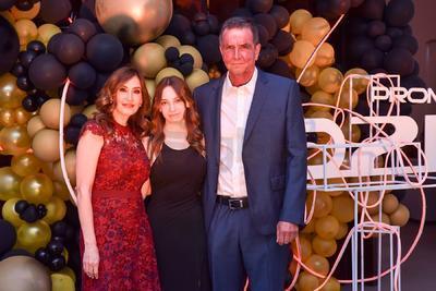 Marcela, Elisa y Felipe.