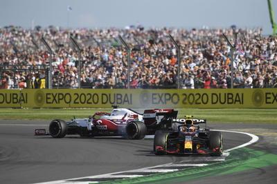 Concluye el Gran Premio de Gran Bretaña con mala racha para 'Checo' Pérez