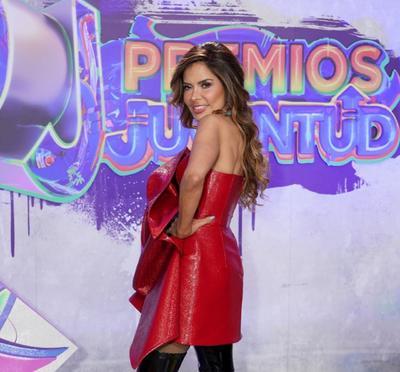 Karol G, Anitta y Chiquis Rivera 'dejan sin palabras' en la alfombra de los Premios Juventud