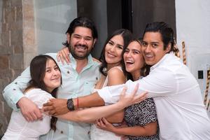 30072021 Arturo Castañeda y Marifer Chincoya acompañados de sus hermanos Lauro Chincoya, Daniela Chincoya y Alma Ruiz.