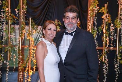 Beatriz y Mauricio celebran su boda.