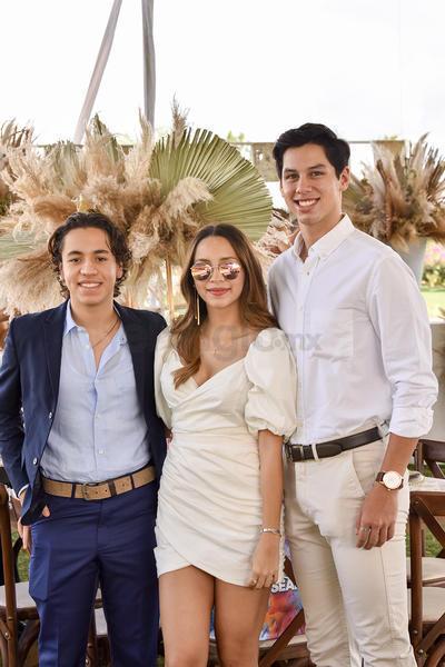 Diego, Alondra y Juan.