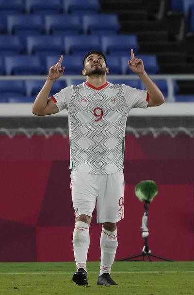 Entre los jugadores del América hicieron cuatro anotaciones (doblete cada uno), mientras que el del Guadalajara fue el que mostró el camino hacia la goleada.