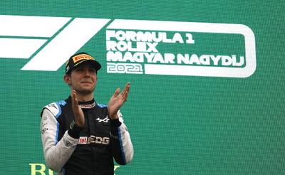 El francés Esteban Ocon gana un caótico GP de Hungría; 'Checo' Pérez tuvo que abandonar la prueba