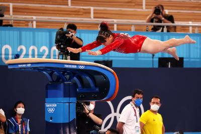 Alexa Moreno acaricia la medalla con histórico cuarto lugar en salto de caballo