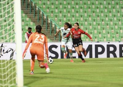 Guerreras logran empate en su debut en el Corona ante Xolos