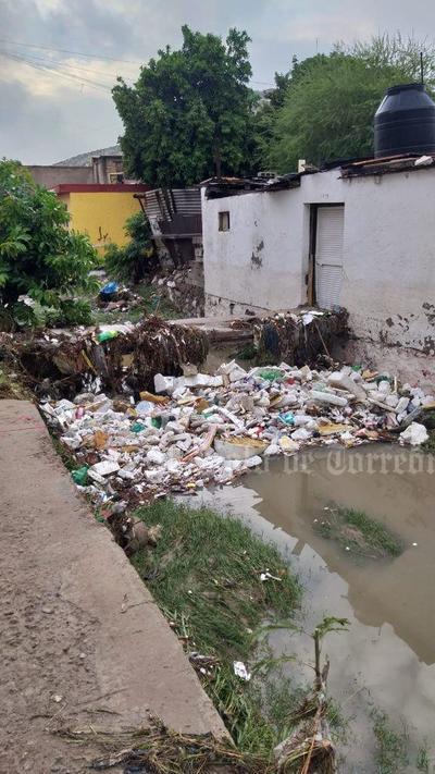 José Abad Calderón Partida, previsor del tiempo en la Comisión Nacional del Agua (Conagua), dijo que es muy probable que hoy se vuelvan a presentar precipitaciones, también irregulares, aunque serían menores a los 20 milímetros.
