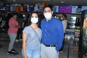 06082021 Iliana Pérez y Carlos Flores.