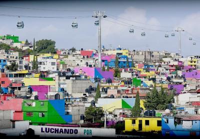 Autoridades mexicanas inauguran la linea 2 del cablebus en Ciudad de México  MEX8556. CIUDAD DE MÉXICO (MÉXICO), 08/08/2021.- Fotografía de cabinas de la línea 2 del Cablebús hoy, en Ciudad de México (México). Autoridades de la capital mexicana inauguraron este domingo la línea 2 del Cablebús, que recorrerá 10.6 kilómetros en siete estaciones, desde Constitución de 1917, hasta Santa Martha Acatitla. EFE/ Carlos Ramírez  Transporte ECO Transporte Economía, negocios finanzas Ciudad México MÉXICO TRANSPORTE