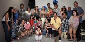 08082021 Acompañando en su primer cumpleaños a Carlitos Elizalde de la Torre, parte de sus familiares.