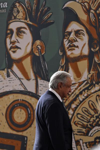 AMLO pide perdón por la 'catástrofe' de la conquista española