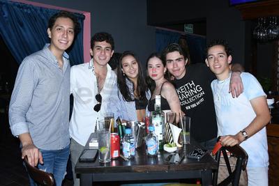 Fernando, Marifer, Pamela, Memo y Sebastián.