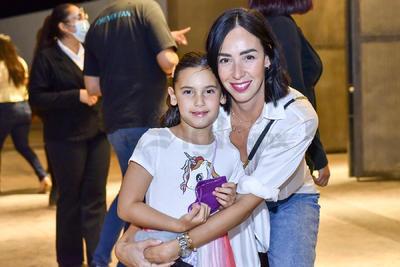 Mónica y Frida.