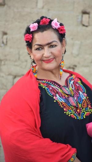 15082021 MVZ. Martha Lourdes Robles Arellano al estilo Frida Kalho en su fiesta de cumpleaños.