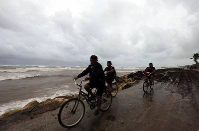 Huracán 'Grace' se degrada a tormenta tropical tras pasar por Península de Yucatán