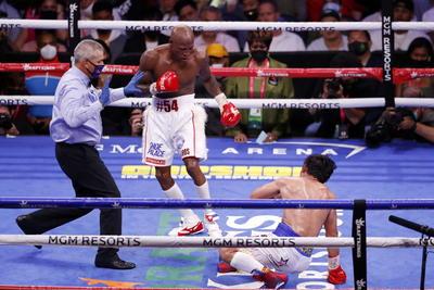 Cubano Yordenis Ugás vence por decisión unánime a Manny Pacquiao