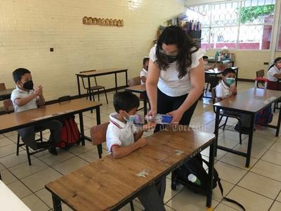 Para el nuevo ciclo, el Subcomité Técnico de Salud autorizó en la Región Lagunera la apertura de 152 escuelas de educación especial, inicial, preescolar, primaria y secundaria.