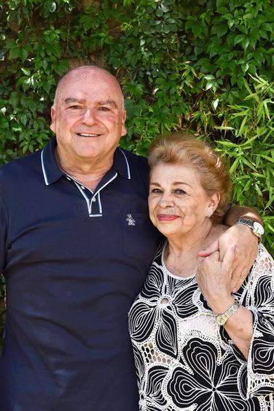 CUMPLEAÑOS. Ada acompañando a su hijo Jesús García en su cumpleaños