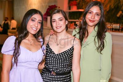 Paola, Pamela y Sara.