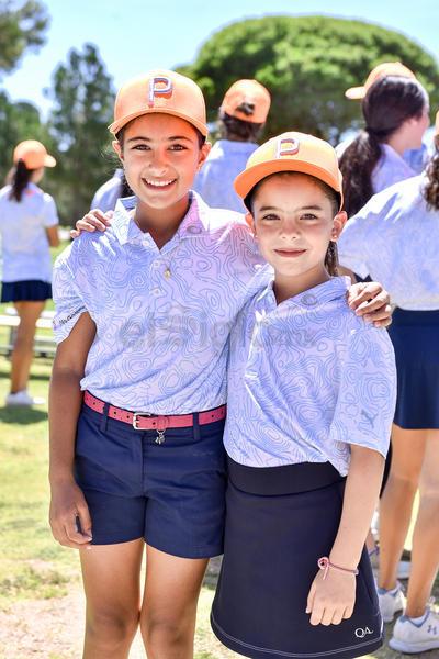 Luciana Dávila y Leonor Robles.