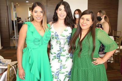 Daniela, Julieta y Sandra.