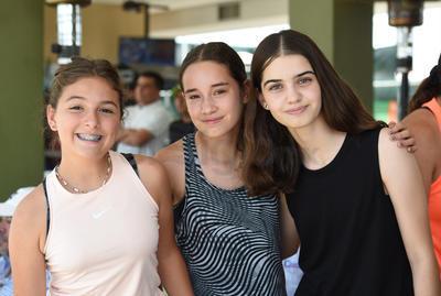 Luciana Miñarro, María Paola González y Sofía Fernández.