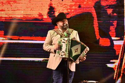 Intocable pone a cantar a Torreón con su gira Momentos