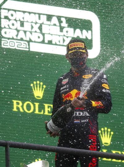 Max Verstappen se corona en el GP de Bélgica; la carrera más corta de la historia