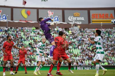 Félix Torres y Alessio Da Cruz dan victoria a Santos Laguna ante Juárez FC