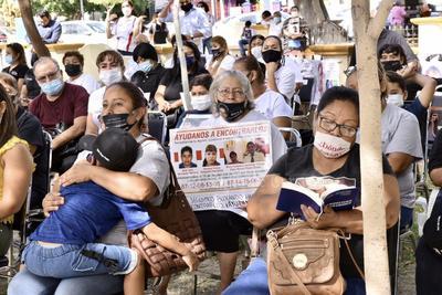 Con bloqueos y marchas, familias de desaparecidos de La Laguna denuncian 'golpe duro' tras eliminación de fideicomisos