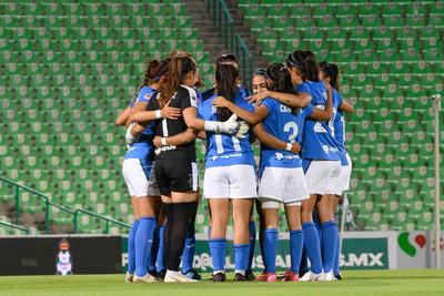 Guerreras del Santos Laguna golean 4-0 al Cruz Azul en el Estadio Corona