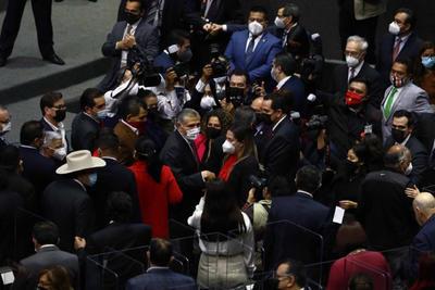 Adán Augusto López, titular de Segob, entrega Tercer Informe de Gobierno de AMLO al Congreso de la Unión