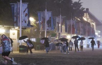 Nueva York declaró en las primeras horas de este jueves el estado de emergencia después de que la región noreste de Estados Unidos registrara intensas lluvias y vientos de los restos de Ida, que causaron importantes inundaciones.