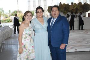 03092021 Gaby Pérez, Lili Esparza y Abraham Férez.