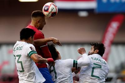 México triunfa ante Costa Rica y mantiene el liderato en las eliminatorias mundialistas