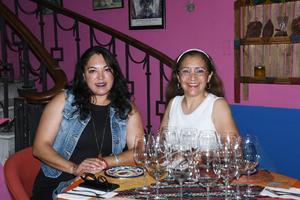 06092021  Gabriela Fernández y Renata Chapa.