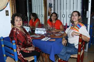 06092021  Mariela García Lugo  y Norma y Begoña Castillo.