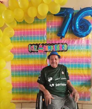 08092021 CELEBRANDO SUS 76 AñOS.  Agustín López Montejano festejando con su familia.