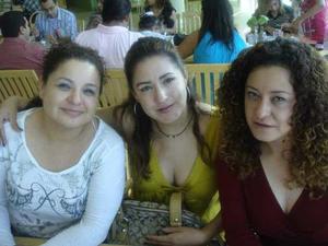 08092021 DESAYUNO DE HERMANAS.   Laura Verónica, Sonia Angélica y Elizabeth Salazar.