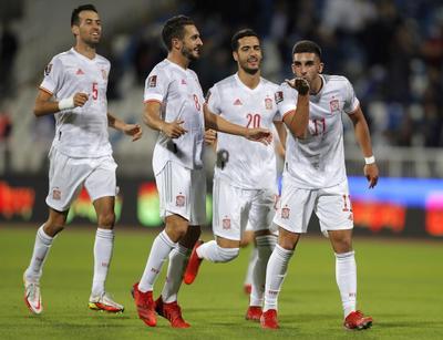 España firma triunfo con dosis de sufrimiento por errores defensivos ante Kosovo
