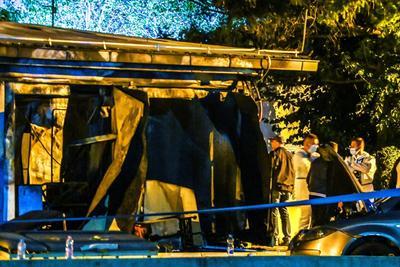La fiscalía principal de la capital, Skopie, dijo que 14 personas murieron en el incendio. Entre ellos no había personal médico. El alcalde de Tetovo, Teuta Arifi, declaró tres días de luto por las víctimas.
