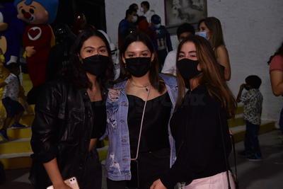 Alma, Michelle y Renata