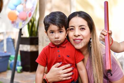 Alondra Salazar y Eugenio
