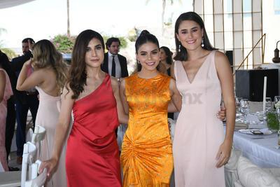 Andrea, Cecy y María