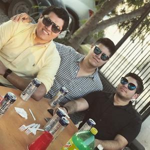 10092021 EN COMIDA.  Dominique, Carlos Iván e Israel.