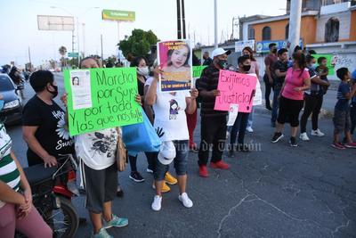 Familia de Yajaira Sujey, lagunera desaparecida en Mazatlán, realiza manifestaciones en Torreón