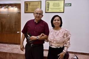 12092021 Enrique Flores y Olga Lidia de Flores.
