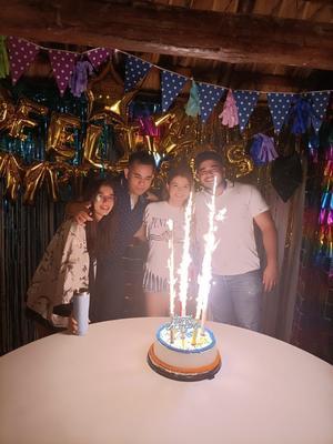 14092021 DE CUMPLEAñOS.  Andrea, Luis, Andrea e Israel.